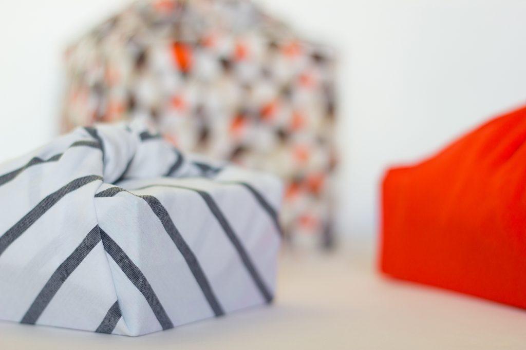 recycler du tissu pour emballer ses cadeaux