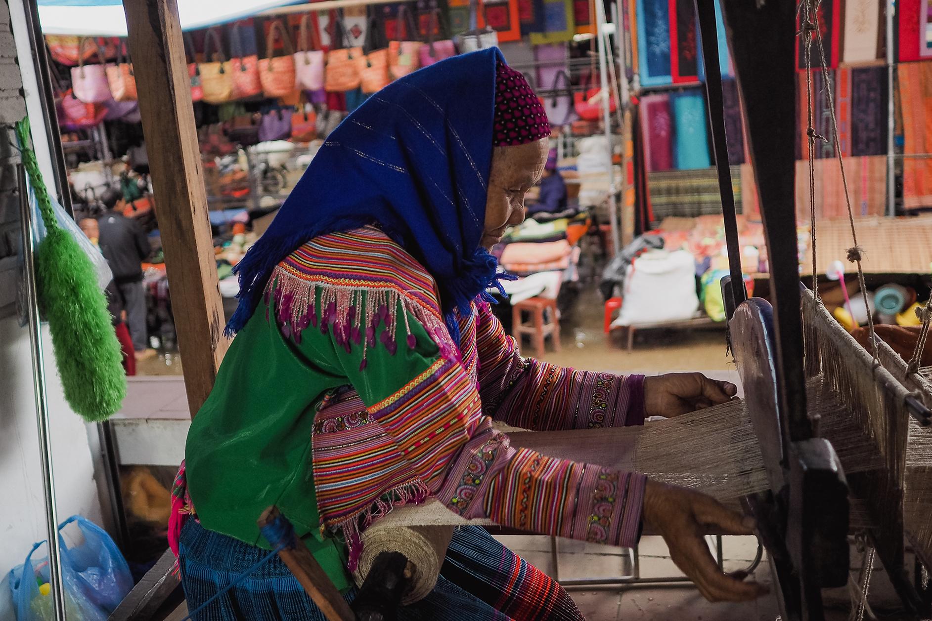Tisserande vietnam - fabrication du lin