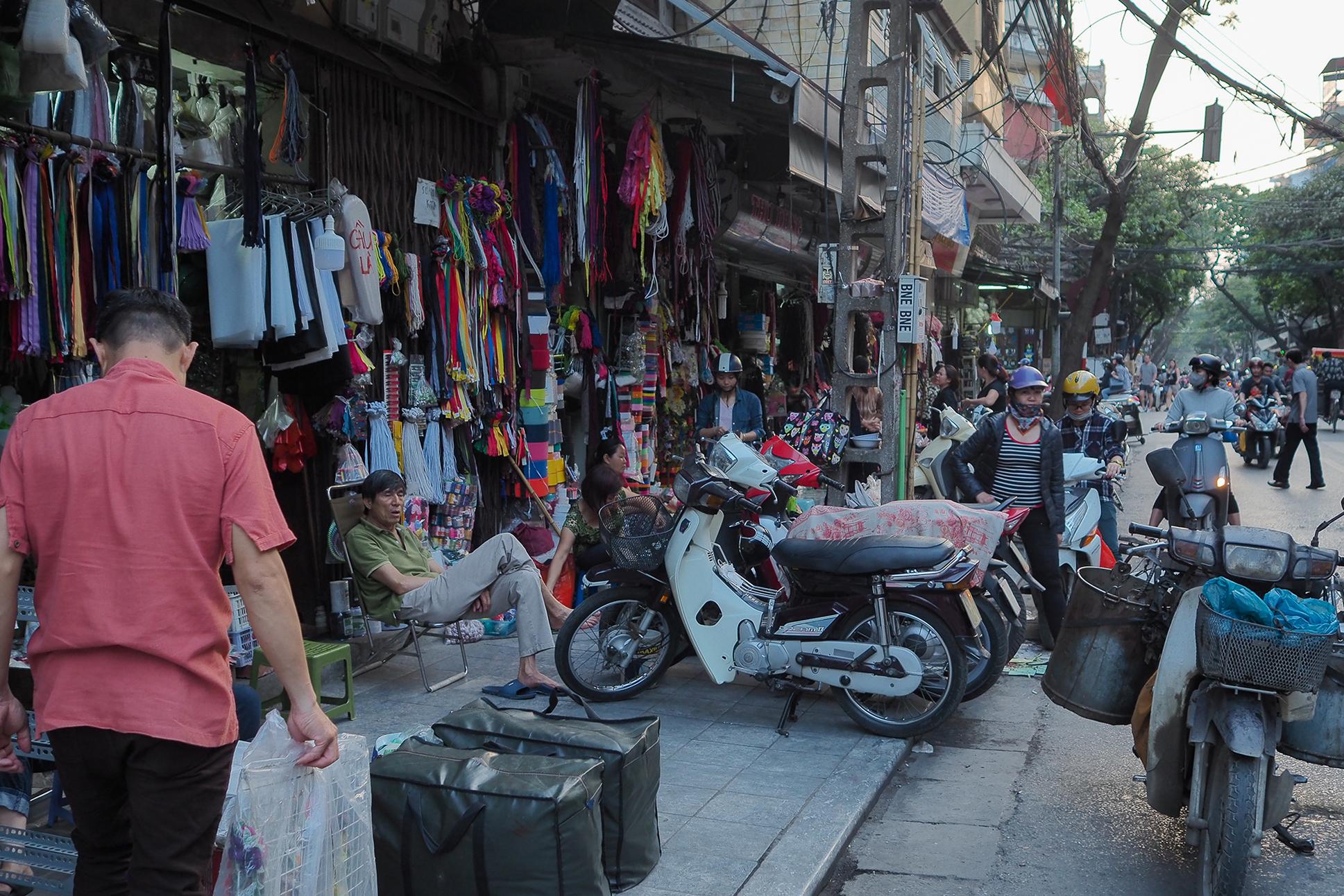 Rue des merceries à Hanoi au vietnam couture
