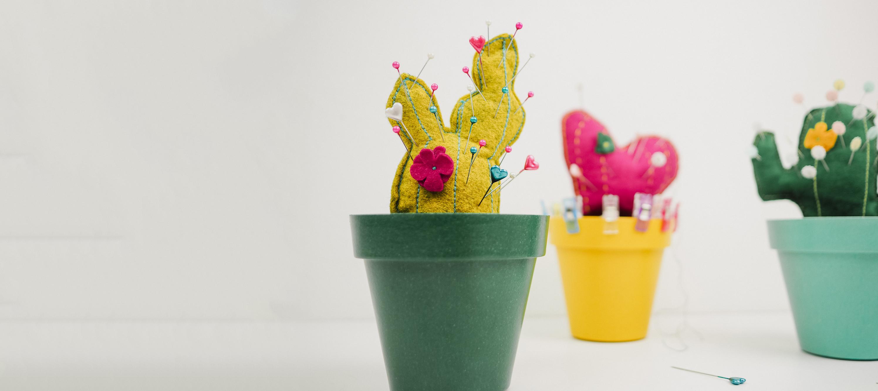 Ou Acheter De La Mousse Pour Piquer Des Fleurs tuto : coudre un pique épingle cactus - 3 patrons gratuits