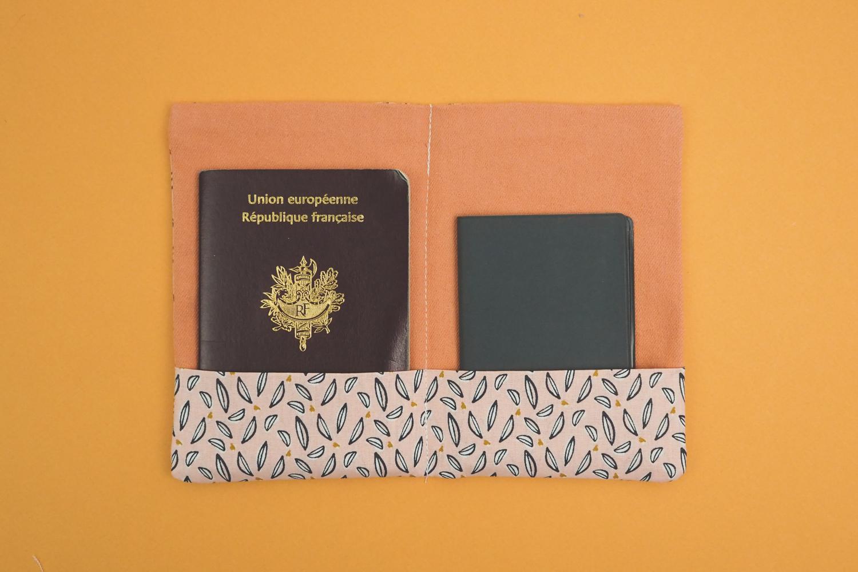 Tuto coudre une pochette à passeport facile