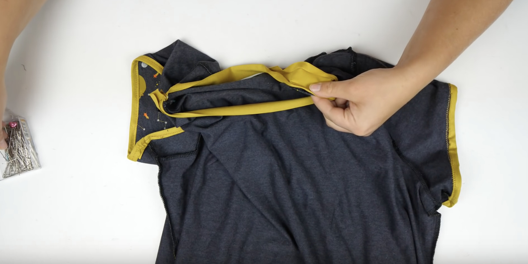tuto coudre du biais jersey sur un t-shirt